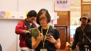 Perempuan Memilih Buku